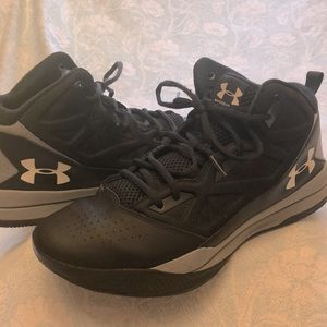 UNDER ARMOUR MENS HIGH TOP BASKETBALL SIZE 10.5